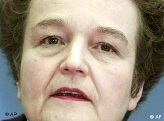 Herta Däubler-Gmelin provoca confusões transatlânticas