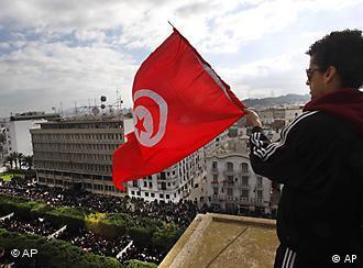 تونس، جمعه ۱۴ ژانویه / ۲۴ دی