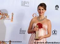 فلم Black Swan کی اداکارہ اس فلم کی بدولت سال کی بہترین اداکارہ کا گولڈن گلوب ایورڈ حاصل کر چکی ہیں