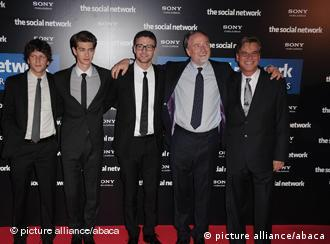 Jesse Eisenberg, Andrew Garfield, Justin Timberlake and David Fincher (Bild: picture-alliance/ ABAC)