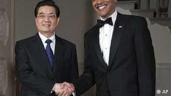 Der chinesische Präsident Hu Jintao mit US-Präsident Barack Obama vor dem Staatsbankett im Weißen Haus