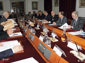 دولت موقت تونس نخستین تصمیمهای سیاسی را میگیرد