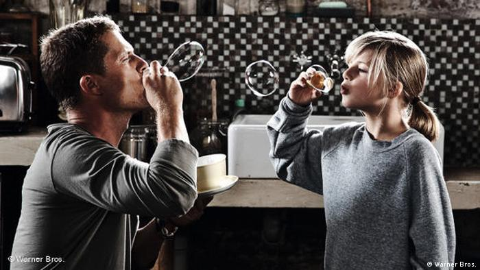 Film scene of Kokowääh Til Schweiger and his daughter (Warner Bros.)