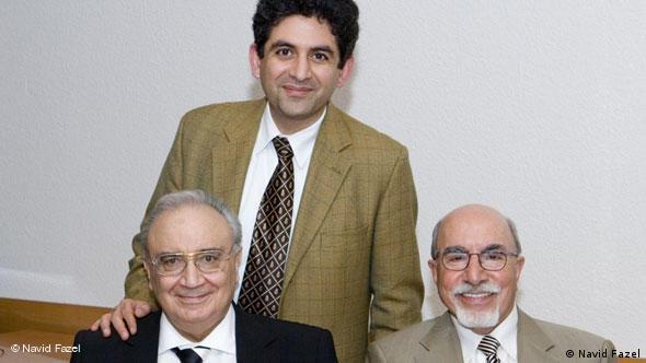 دکتر فاضل در کنار دیگر دبیران «کانون پزشکان ایرانی مقیم آلمان»