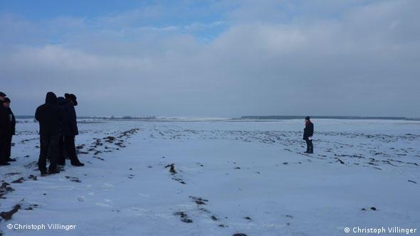 Поиски братских могил в украинском селе Кислин