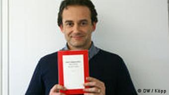 DW-Redakteure empfehlen afrikanische Bücher - Jean-Michel