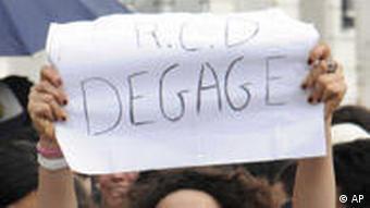 Tunesien Tunis Proteste Demonstranten fordern Rücktritt der Übergangsregierung