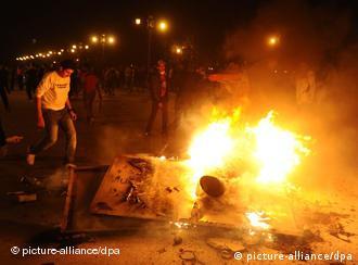 Protestos foram acompanhados por saques e depredações