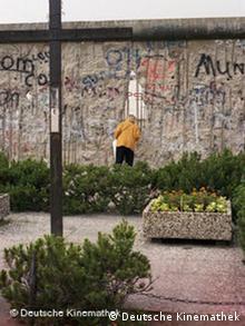 Mit dem Riss in der Mauer begann Berlin als Filmstadt wieder zu leben (Foto: Deutsche Kinemathek)