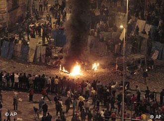 میدان التحریر، صحنهی درگیریهای میان معترضان و موافقان دولت