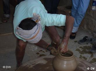 Pottery, a traditional craft in India, is losing to globalization