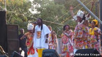 Die brasilianische Gruppe Ilê Ayiê fordert musikalisch eine gerechtere Welt (Bild: Renate Krieger)