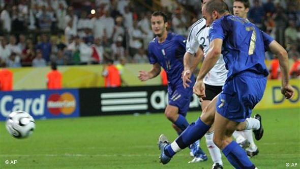 Alessandro Del Piero zabija gol protiv Nijemaca u polfinalu SP-a 2006.