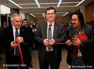 افتتاحیه نمایشگاه عظیم بردی گوکی در کوجک جکمه جه استانبول - فوریه ۲۰۱۱