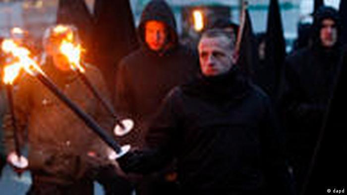Dresden: neo-Nazis marching in 2011 (dapd)