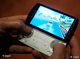 Das neue mobile Phone Xperia play von Sony Ericcson (Foto: dapd)