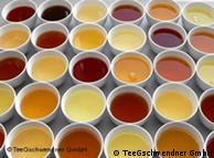 茶叶变换出的美丽颜色