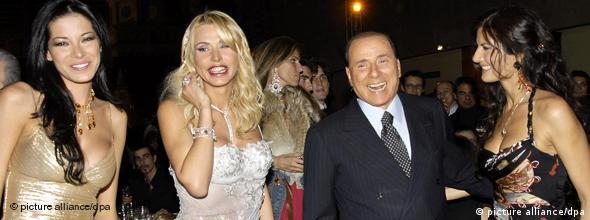 NO FLASH Berlusconis Skandale Frauen Party