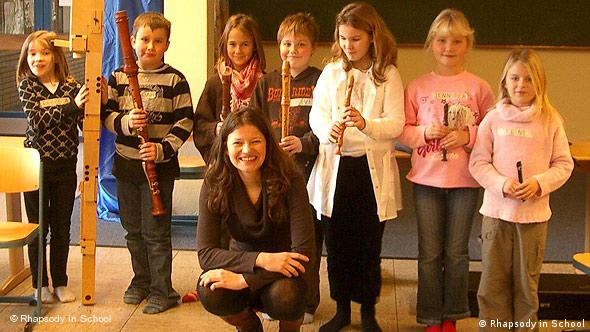 Rhapsody in School: Dorothee Oberlinger mit Grundschulkindern