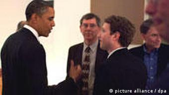 An official White House handout picture dated 17 February 2011 of US President Barack Obama (2ndL) talking with Facebook CEO Mark Zuckerberg (3rdR) before a dinner with Technology Business Leaders in Woodside, California, USA. President Obama held a dinner to talk job creation and education with a team of Silicon Valley executives and leaders. EPA/PETE SOUZA BEST QUALITY AVAILABLE +++(c) dpa - Bildfunk+++
