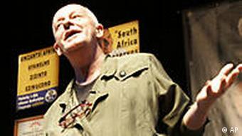 Südafrika Satiriker Pieter-Dirk Uys in Cape Town