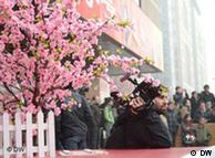 """北京王府井,外国记者关注""""茉莉花革命"""""""