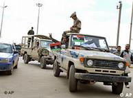 Militares que se uniram aos oposicionistas em Bengasi
