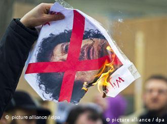 قذافی: مردم لیبی عاشق من هستند و تظاهراتی هم در ترابلس انجام نشده است