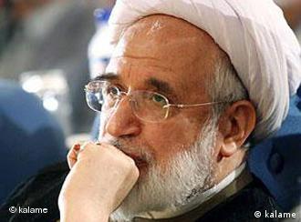 مهدی کروبی بعد انتشار فراخوان راهپیمایی ۲۵ بهمن ۱۳۸۹ بازداشت و زندانی شد.