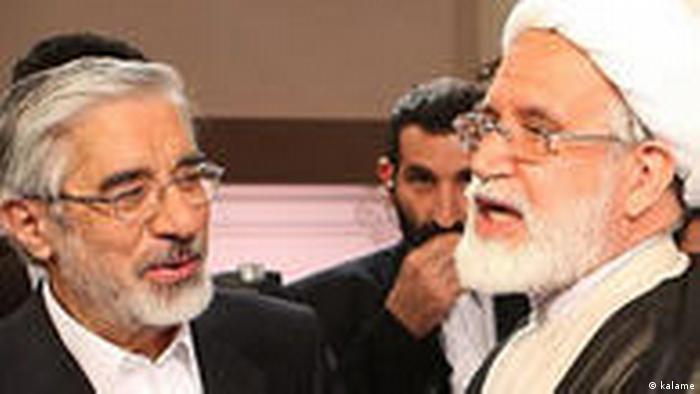 میرحسین موسوی (چپ) و مهدی کروبی، مخالفان نتایج انتخابات ریاست جمهوری سال ۸۸ بیش از چهار سال است که در بازداشت خانگی به سر میبرند
