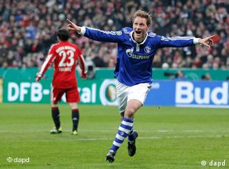 Höwedes (Schalke) slavi, Pranjić (u pozadini) više ne razumije svijet...