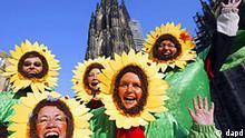 Deutschland Karneval in Köln Weiberfastnacht