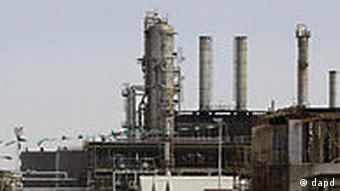 Ölraffinerien in Al-Sawija (Foto: AP/dapd)