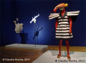 Blick in die Ausstellung Art & Fashion, Foto/photo: © Claudia Mucha, 2011