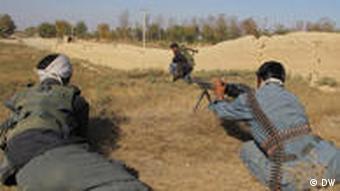 Afghanische Polizisten haben in manchen Regionen die Kontrolle übernommen (Foto: DW)