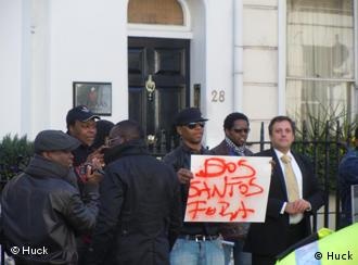 Anti-Angola Proteste in London (Foto: Huck)
