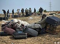 هزاران تن از ساکنان بنغازی در حال فرار از شهر هستند