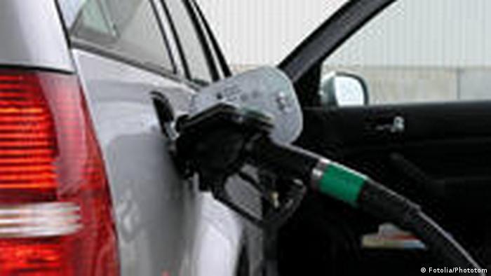 Tankstelle Auto Zapfsäule (Fotolia/Phototom)