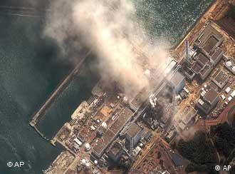 Eine Satellitenaufnahme des explodierten kraftwerks Fukushima (Foto: dapd)