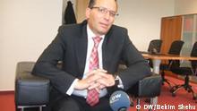 Bedri Hamza, der kosovarische Finanzminister im Interview mit der DW. Kosovar minister for finance in Kosovo government in interview for DW. Zugeliefert durch Bekim Shehu am 15.3.2011. Copyright: DW / Bekim Shehu