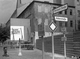Muro na Bernauer Strasse, em foto de 1963