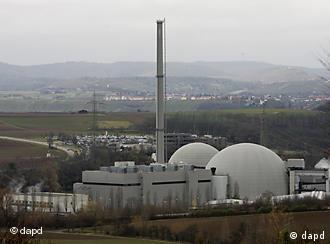 Das Atomkraftwerk Neckarwestheim ist jetzt vom Netz genommen worden (Foto: dapd)