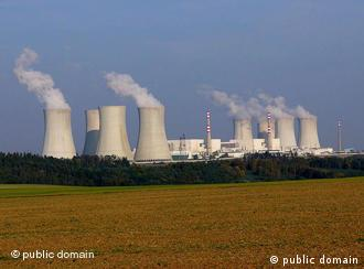 India aims at producing 25 percent of its electricity using nuclear power by 2050