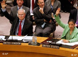 The US and UK ambassadors to the UN vote for the resolution