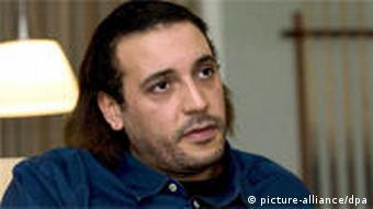 شورای انتقالی لیبی خواستار استرداد اعضای خانواده قذافی شده است. (تصویر: هانیبال قذافی، یکی از پسران معمر قذافی)