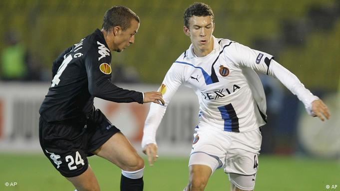 Ivan Perišić (desno) u dresu Bruggea u jednoj europskoj utakmici protiv Partizana