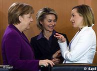 German Chancellor Angela Merkel, Labour Minister Ursula von der Leyen and Family Minister Kristina Schroeder
