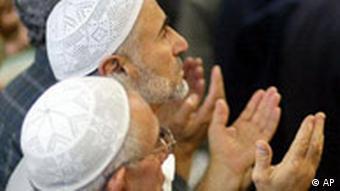 Betende Muslime in Kreuzberg