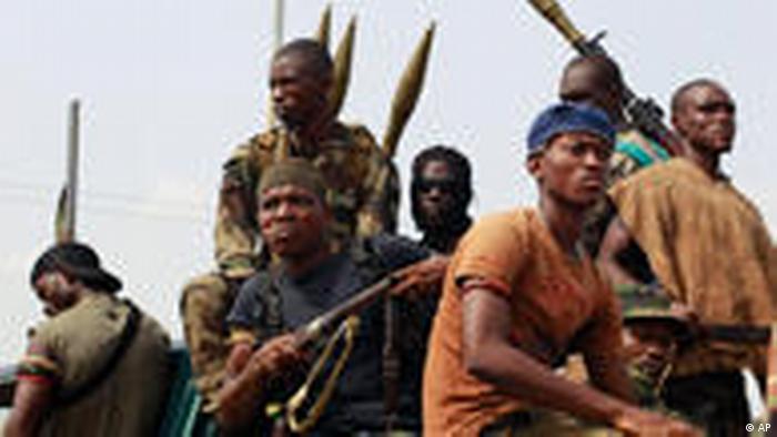 Des combattants fidèles à Alassane Ouattara en 2011 (AP)