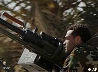 رزمندگان شورشی دمکراسیخواه لیبی در نبرد حفظ شهر اجدابیا در برابر نیروهای قذافی